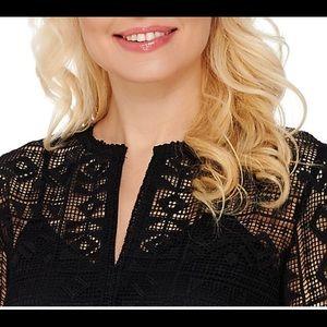 C. Wonder Dress Sz 4 Lace Split Neck SS Black Sz 4